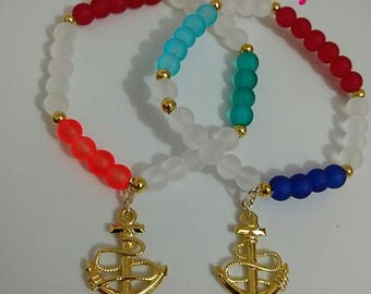 Anchor bracelet.  Designed in frosted clear with a variety of color combination.  Details in gold and told anchor.