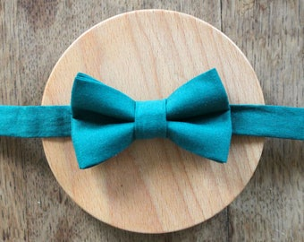 Blue bowtie - o-