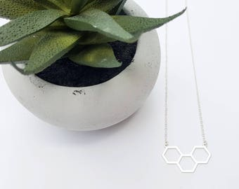 Dainty Honeycomb Necklace- Gold Honeycomb - Silver Hexagon - Sterling Silver Chain -14K Gold Filled Chain- Geometric Jewellery《the Pam》