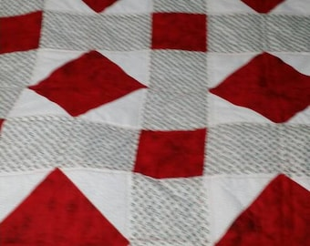 Christmas Holly Quilt