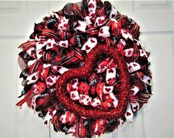 Valentine Wreath, Heart Wreath, Front Door Wreath, Indoor Wreath, Outdoor Wreath, Deco Mesh Wreath, Red Wreath, Black Wreath, Hostess Gift
