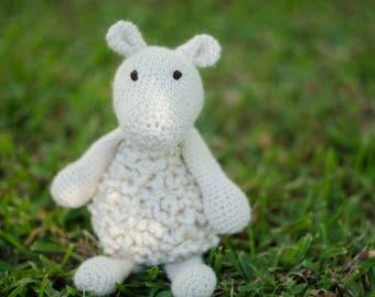 crochet Sheep, baby gift, soft handmade animal, alpaca yarn, shower gift, baby toy, white sheep,