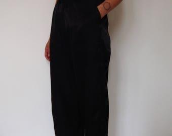 Loose-fitting Capri pants