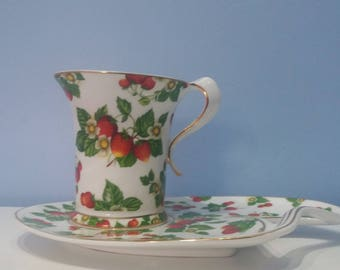 The Leonardo collection vintage cup and saucer, with strawberry pattern, vintage teacup and plate, red cup and saucer