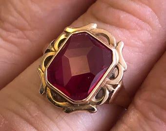 14k carat gold ruby ring unusual faceted design vintage modernist cocktail statement ring red gem stone