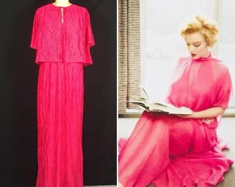 Vintage 60's Women's Medium Bright Pink Accordion Diamond Pleat Nylon Chiffon Nightgown And Peignoir Cape Set