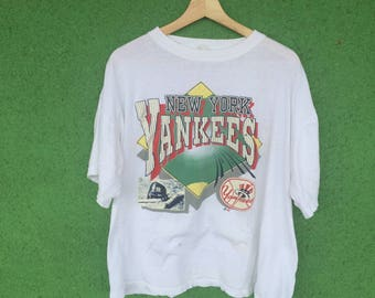 Vintage 90s New York Yankees Baseball T-Shirt