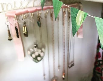 Green Textured Watercolour Bunting