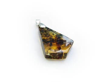 amber pendant / rich yellow stone with dark brown texture / pyramid shape / mexican amber