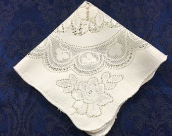 Beautiful Vintage Floral Lace White Doily 16 x 16