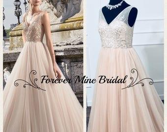 Li Dress High Fashion Wedding Dress With V-Neck Back And Front Design