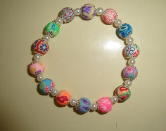 mother of Pearl flower polymer and Bead Bracelet