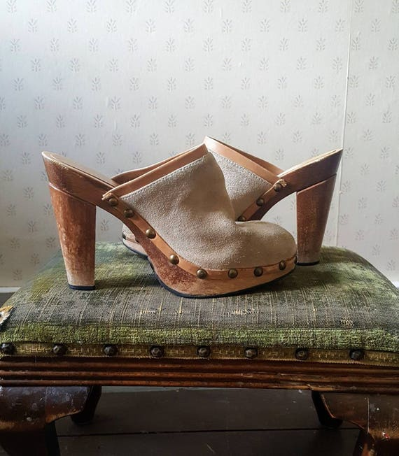 Vintage wooden sole suede clogs. Platform wooden clogs size 7