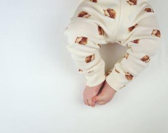 Organic hedgehog leggings by British Babies
