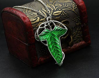 The Lord Of the Rings Elven Green Leaf Pendant Necklace Brooch Pin