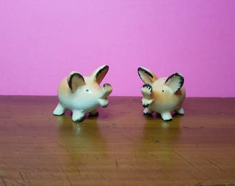 Vintage collectible pig salt and pepper shakers, very cute pink pigs, gift for pig collector, 1950 made in Japan, pig ceramics