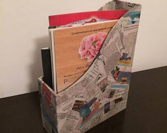 Wooden magazine rack with newspaper-Style Patchwork