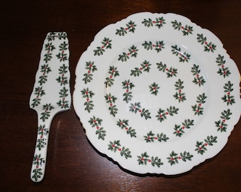 Cake Plate and Server in Holly (Scalloped Gold Trim) by Baum Brothers