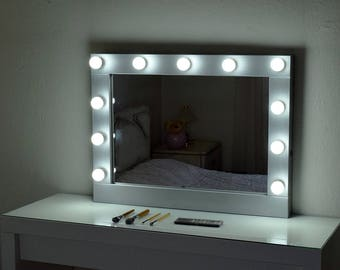 make up mirror with lights vanity mirror in many colors. Black Bedroom Furniture Sets. Home Design Ideas