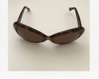 Eyevan tortoise sunglasses by Oliver Peoples - 90s cool
