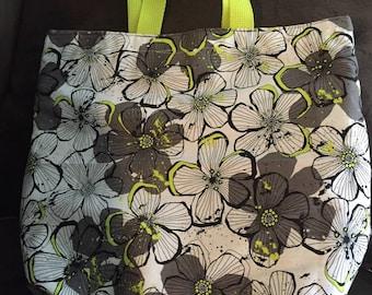 Reversible gray flowerprint tote bag