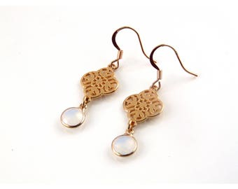 Earrings rose gold with white opal glass