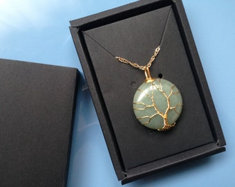 Stone necklace with gold-plated chain - Light Green
