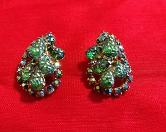 Vintage Clip Earrings Unsigned