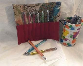 Pen or cosmetic brush roll