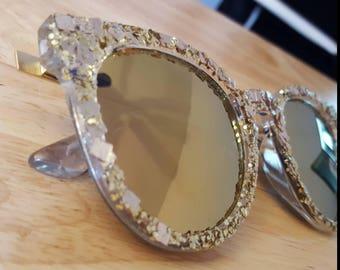 Gold mirror sunglass