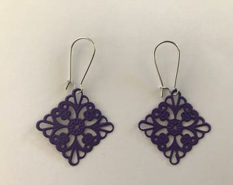 Painted Lightweight Filigree Earrings - 1 x 1 inch
