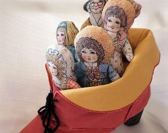 Vintage TOY WORKS Old Woman Who Lived In A Shoe Mother Goose Nursery Rhyme Cloth Storyteller Dolls Rag Dolls
