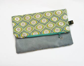 Foldable purse / bicolor - cover / green and yellow graphic with a flower charm