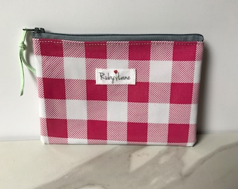Mini Oilcloth pouch / Mini pouch / Zipper pouch / Gift idea for her / Pink gingham