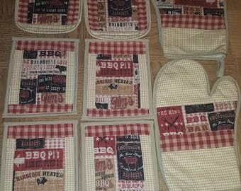 BBQ Kitchen Set  4 mug rugs, 2 oven mitts and 2 pot holders