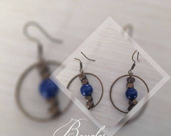 Pearl Earrings in bronze and blue bead
