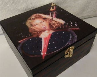 Jewelry or keepsake wooden box