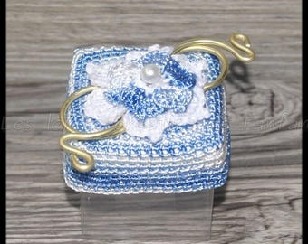 10 boxes dragées square blue marbled and white crochet flowers for wedding, baptism, communion or other events