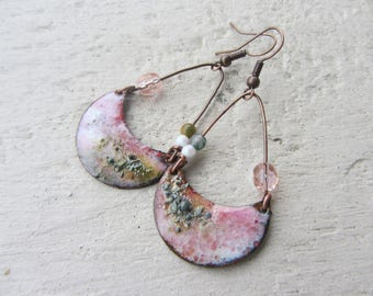 Earrings pink ethnic Moon granite enameled copper, Agate gemstone and glass beads, copper, pink and green stem
