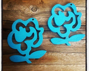 set of 2 flowers wooden blue 50mm x 35mm