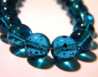 20 glass beads 8 mm - turquoise - glass speckled translucent - G37