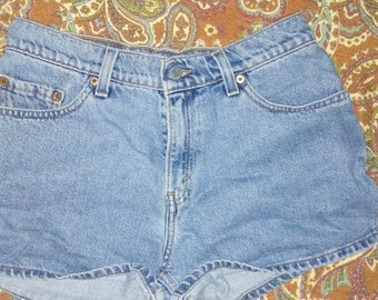 Vintage high waisted Levi shorts.