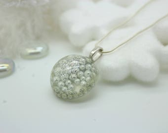 """Resin necklace with pendant """"glitter"""""""