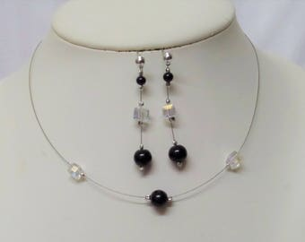 Set 2 pieces wedding necklace, and black glossy beads earrings