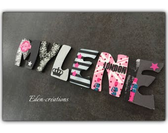 Wooden letters decorated theme London / London / England for child's room