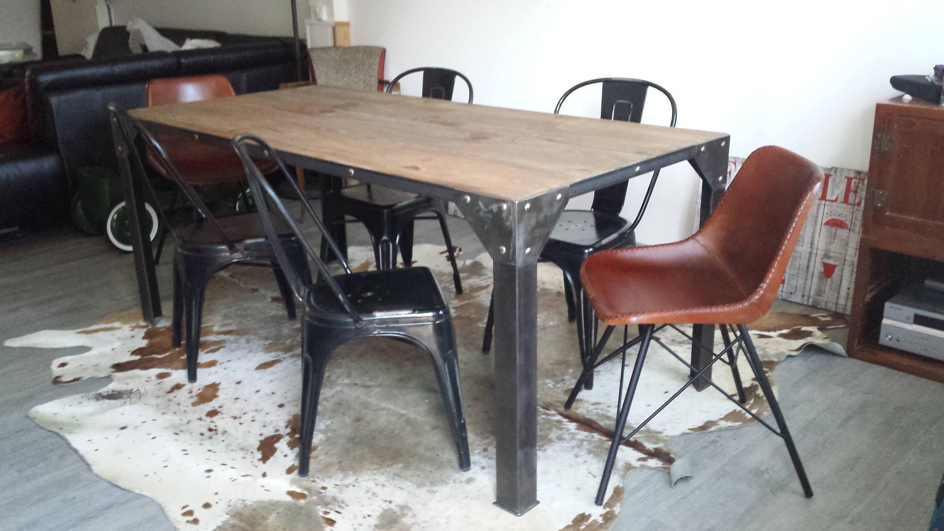 Meuble industriel table de salle manger acier et bois for Table bois fer industriel
