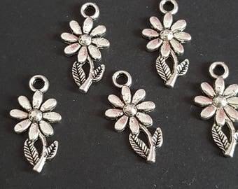 25 silver metal flower charm, flower pendant 18 x 8 mm