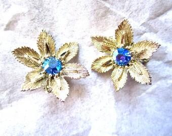 50s 60s Lisner Aqua BlueEarrings Aurora Borealis Rhinestones Flowers Metal Clip On