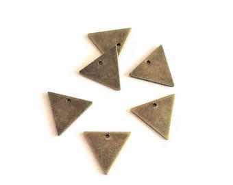 Set of 10 Triangles antique bronze, 14mm, sequin