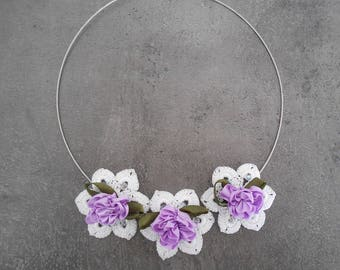 Necklace 3 flowers in white crochet cotton